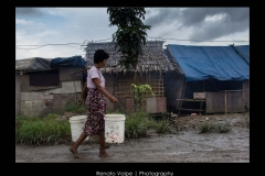 Mynamar_Yangon_Photo_Woman_carrying_Water